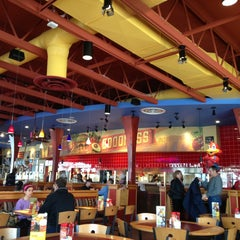 Photo taken at Red Robin Gourmet Burgers by Kevin H. on 3/15/2013