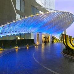 Photo taken at W Doha Hotel & Residences by Wajeeha H. on 6/1/2013