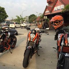Photo taken at Restoran Sala Thai by abenz p. on 3/1/2015