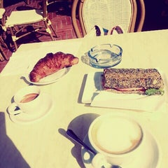 Photo taken at Cafe Mediceo by Raluca I. on 8/16/2014
