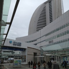 Photo taken at パシフィコ横浜 (PACIFICO YOKOHAMA) by でゅえろう D. on 3/3/2013