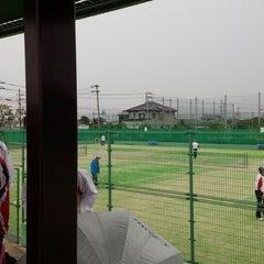 Photo taken at 空港東第四公園 テニスコート場 by PE-TA S. on 4/19/2014