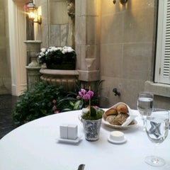 Photo taken at Greenhouse at the Jefferson Hotel by 2Serenity on 9/29/2012