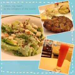Photo taken at Jeffer Steak (เจฟเฟอร์) by Tictock E. on 7/20/2014