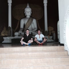 Photo taken at วัดพันแหวน (Wat Phan Waen) by Jason S. on 4/22/2015