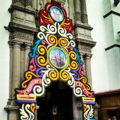 Photo taken at La Parroquia De San Gabriel Arcángel by Enrique H. on 9/28/2014