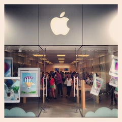 Photo taken at Apple Store, Century City by Hans H. on 6/15/2013