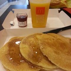Photo taken at McDonald's - ماكدونالدز by Mondz M. on 7/5/2013
