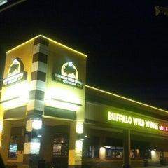 Photo taken at Buffalo Wild Wings by Taiwan B. on 5/31/2012