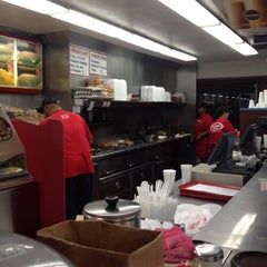 Photo taken at Fabulous Charbroiled Burgers #1 by FW1SHINE .. on 6/9/2014