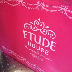 Photo taken at Etude house by 💕cming  💕 on 5/1/2013
