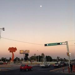 Photo taken at Macrobús Estación Independencia Norte by Desireé on 3/14/2014