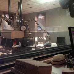 Photo taken at 98,5 FM by Daphné T. on 4/30/2013