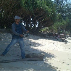 Photo taken at Pantai ujung pandaran by Abdul on 8/17/2014