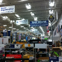 Photo taken at Lowe's Home Improvement by Frank M. on 1/11/2014