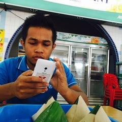 Photo taken at Restoran Zaman by IIAfif on 9/14/2015