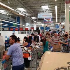 Photo taken at Walmart by Nicolás F. on 11/9/2014