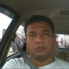 Photo taken at Halte Bunderan Senayan by Indra H. on 4/18/2014