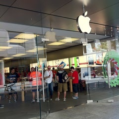 Photo taken at Apple Store, Perth City by Boon on 12/28/2012