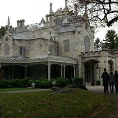 Photo taken at Lyndhurst by Jetaime M. on 10/16/2014