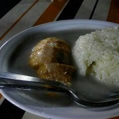 Photo taken at Barakat Tomyam Seafood by Nurul J. on 9/1/2015