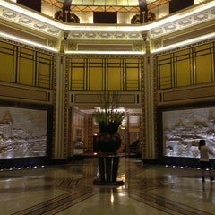 Photo taken at 和平饭店 | Fairmont Peace Hotel by Chloe P. on 7/14/2013
