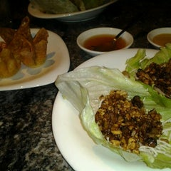 Photo taken at Bo Ling's Chinese Restaurant by danni s. on 9/17/2012