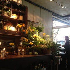 Photo taken at Gramercy Tavern by Ross H. on 4/23/2013