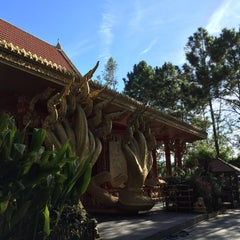 Photo taken at วัดป่าภูทับเบิก by Bow M. on 10/14/2015