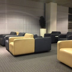 Photo taken at Lufthansa Business Lounge by Juergen S. on 12/23/2012