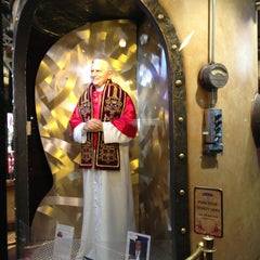 Photo taken at Wax Museum at Fisherman's Wharf by Wayne E. on 2/16/2013
