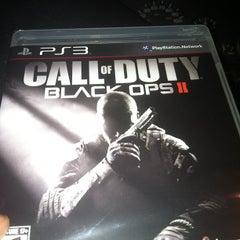 Photo taken at GameStop by Davian Q. on 11/15/2012