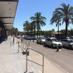 Photo taken at Estación de Autobuses de Valencia by Dmitry C. on 7/4/2014