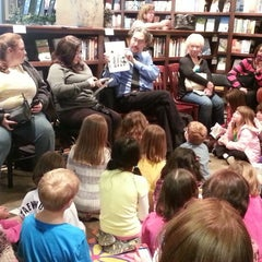 Photo taken at Foxtale Book Shoppe by Elainebow on 1/16/2013