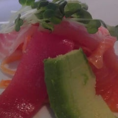 Photo taken at Tokoro Japanese Restaurant by Jaime Bravo C. on 10/29/2012