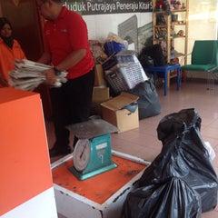 Photo taken at Pusat Kitar Semula Komuniti Presint 9 by Syafiqah Y. on 3/16/2015