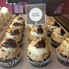 Photo taken at Gigi's Cupcakes by Stacy P. on 1/18/2013