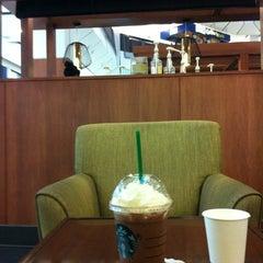 Photo taken at Starbucks (สตาร์บัคส์) by Wizwizit K. on 6/22/2012