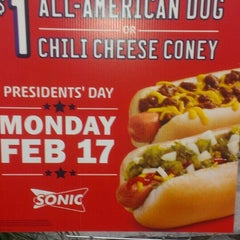 Photo taken at SONIC Drive In by Ivana B. on 2/17/2014