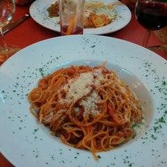 Photo taken at Sogno d'Italia by Olivier D. on 5/5/2015