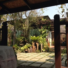 Photo taken at บ้านสวนแม่กลอง สมุทรสงคราม by M'mee M. on 1/25/2014