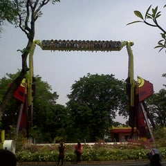 Photo taken at Dunia Fantasi (DUFAN) by mulyadi a. on 10/28/2012