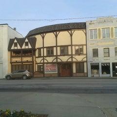 Photo taken at Shakespeare Tavern by Kathi L. on 10/27/2012
