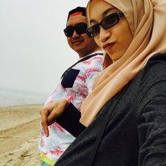 Photo taken at Pantai Puteri by Azee L. on 10/24/2015