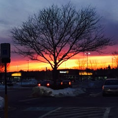 Photo taken at Giant by Rachel L. on 2/25/2015