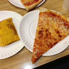Photo taken at Pizza Wagon by Eiks L. on 12/20/2012