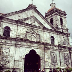 Photo taken at Basilica Minore del Santo Niño by JayL | blog-ph.com 🔥 on 4/21/2013