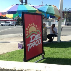 Photo taken at Del Taco by LA-Kevin on 10/1/2014