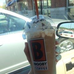 Photo taken at BIGGBY COFFEE by Carmen M. on 5/25/2014