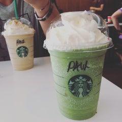 Photo taken at Starbucks by 🎀✨Celine✨🎀 on 11/14/2015